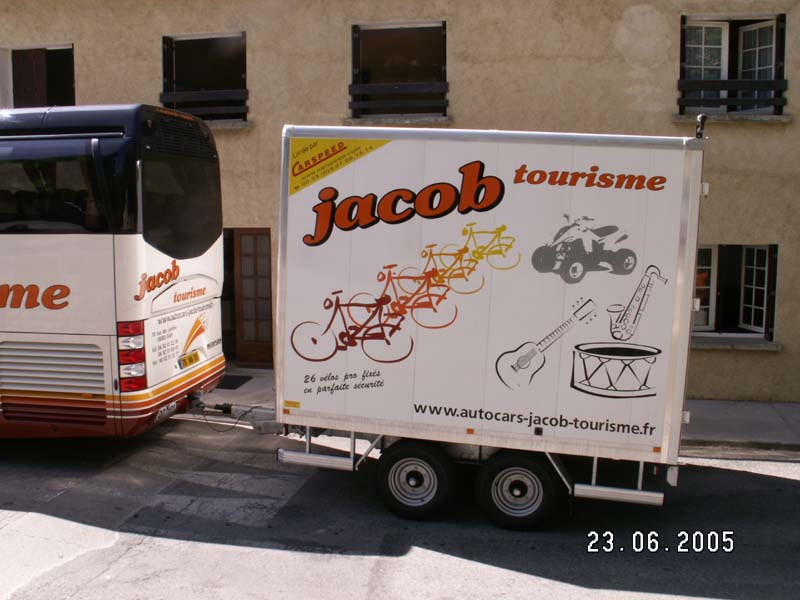 jacob autocar tourisme gap hautes alpes 05 transport location autocar remorque a velos. Black Bedroom Furniture Sets. Home Design Ideas